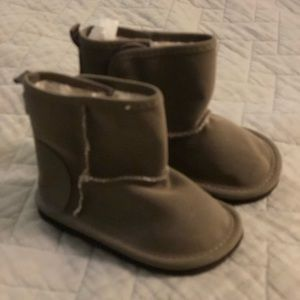 Never worn Baby GAP 6-12 mo boots